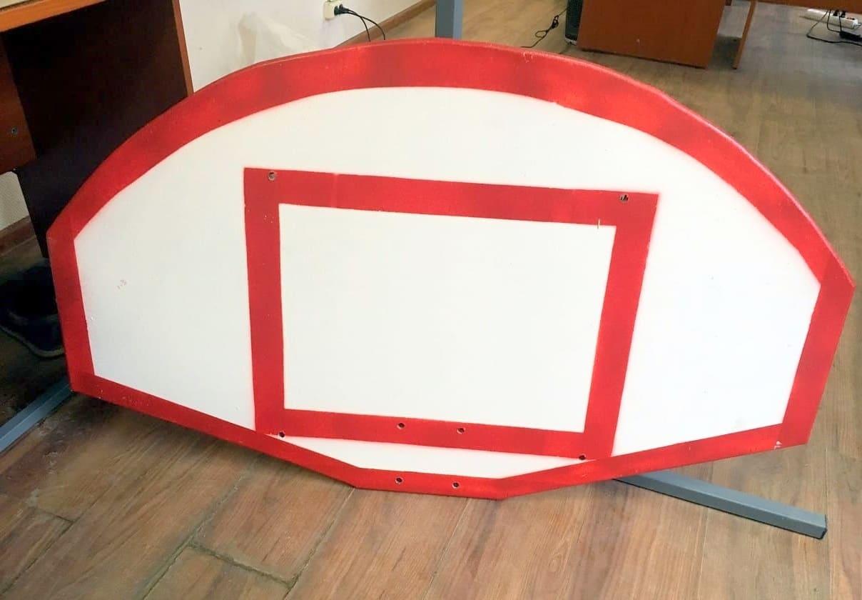 Производитель - баскетбольный щит, фотография