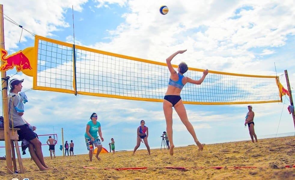 Почему стоит поиграть в пляжный волейбол - фото №2