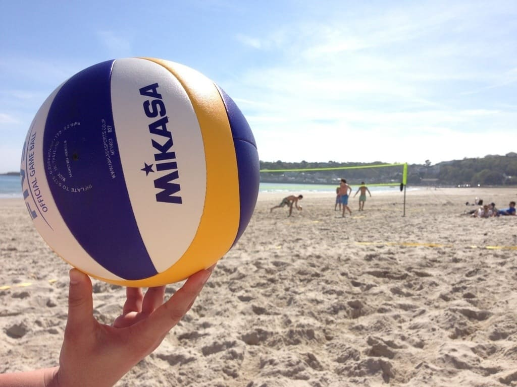 Почему стоит поиграть в пляжный волейбол - фото №1